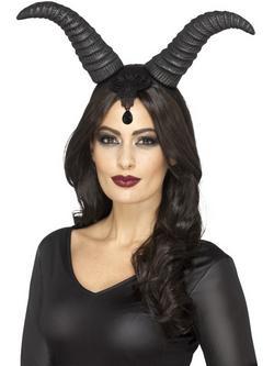 Sátáni Királynő Szarvak